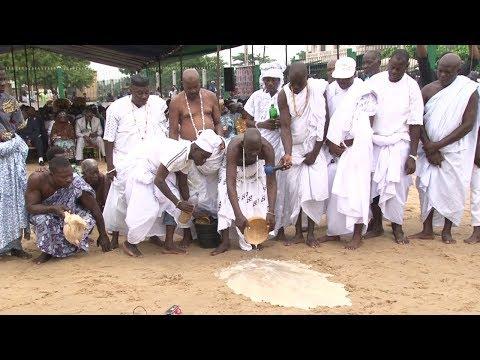 Cérémonie de purification à Bè